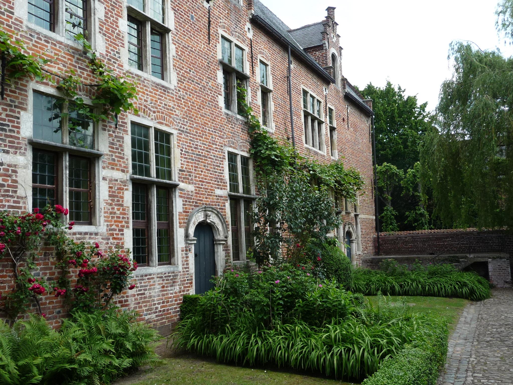 visit the Groot Begijnhof in Leuven