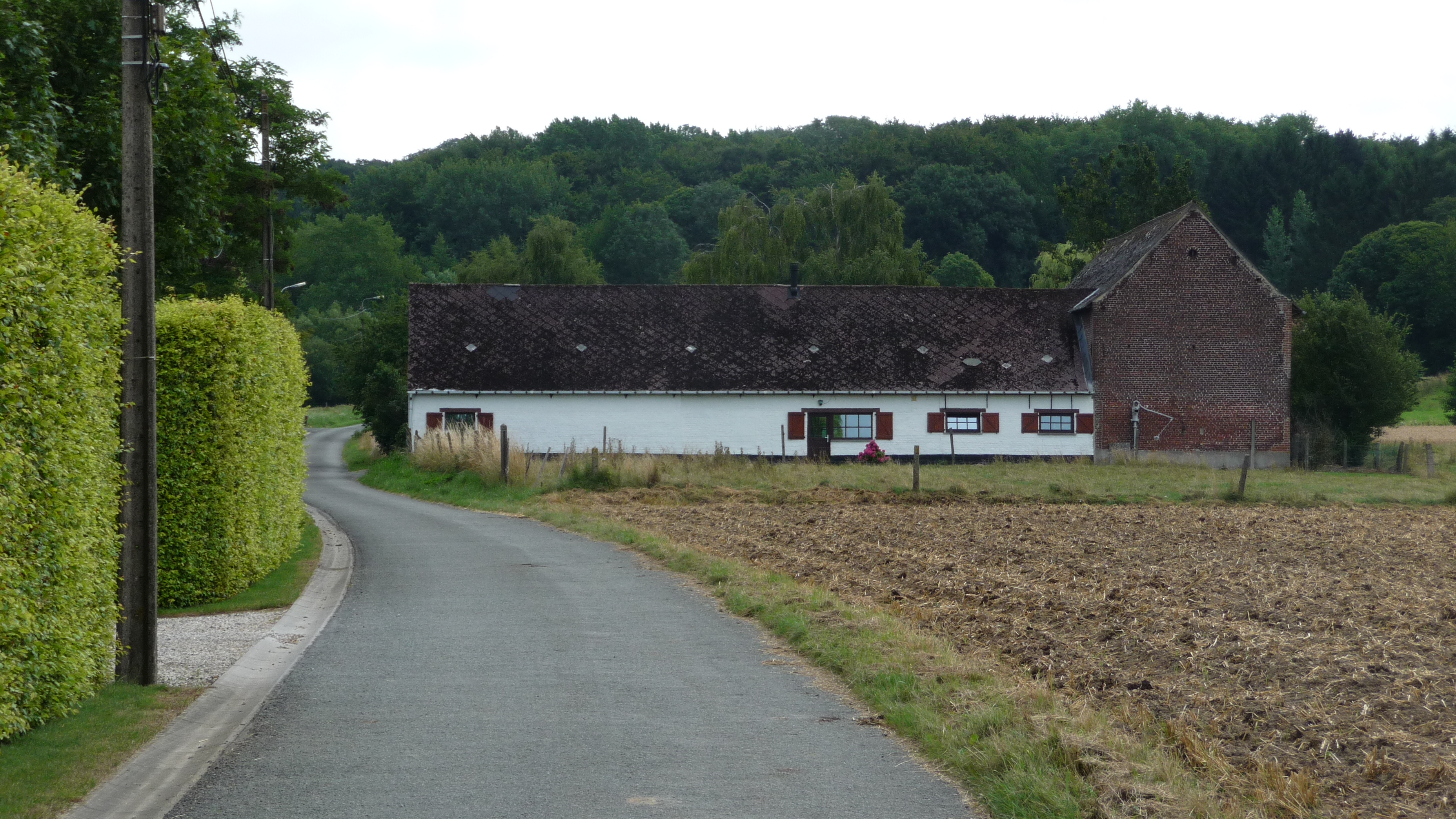 Walking around Frasnes-les-Anvaing