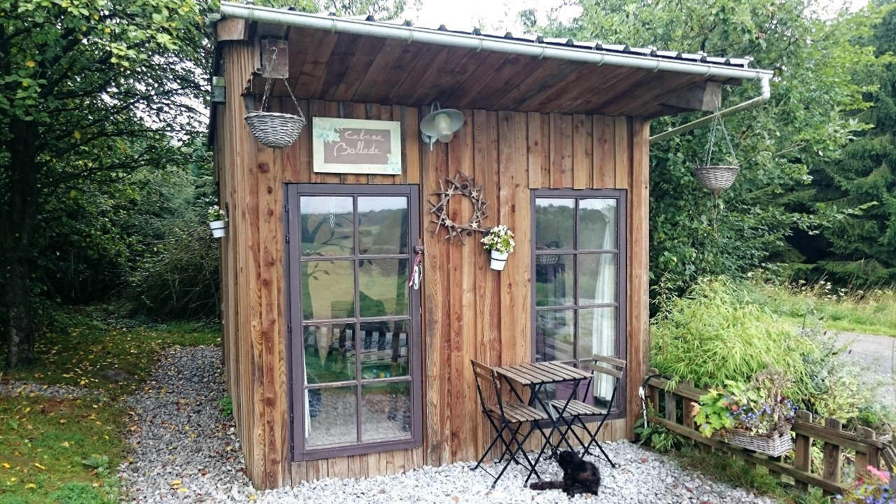 Eco cabin for overnight accommodation