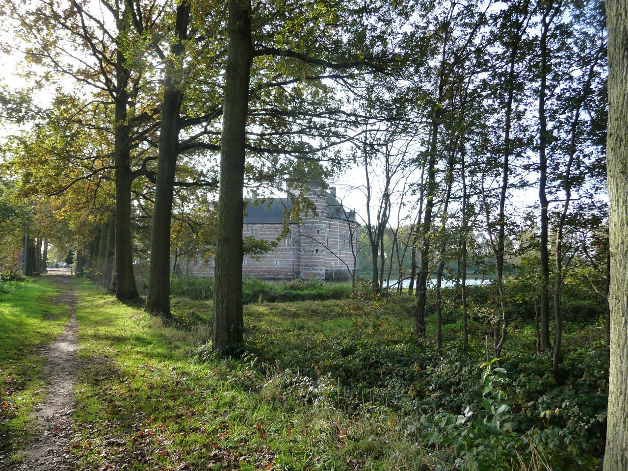 Four walks from Horst Castle