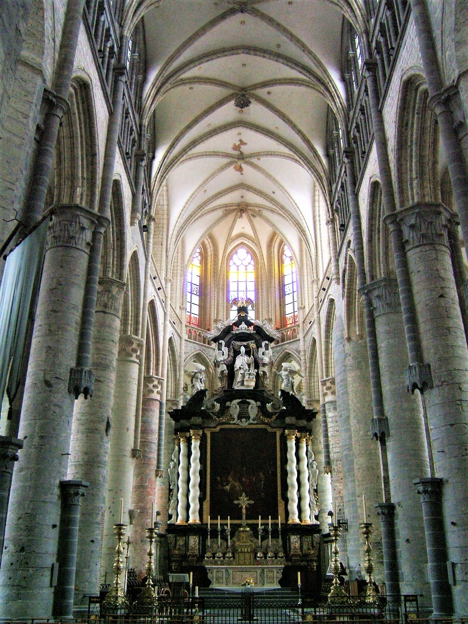 Inside the church of St. Nicholas, Gent