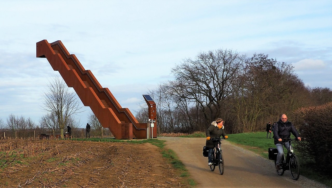 Visit the Vlooyberg Tower by bike!