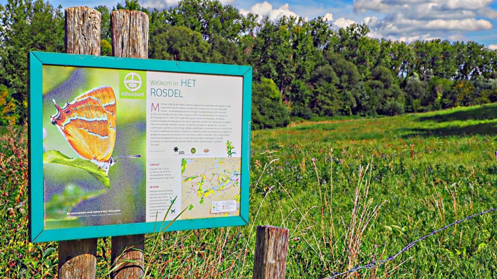 Walk around L'Ecluse and the Rosdel nature reserve