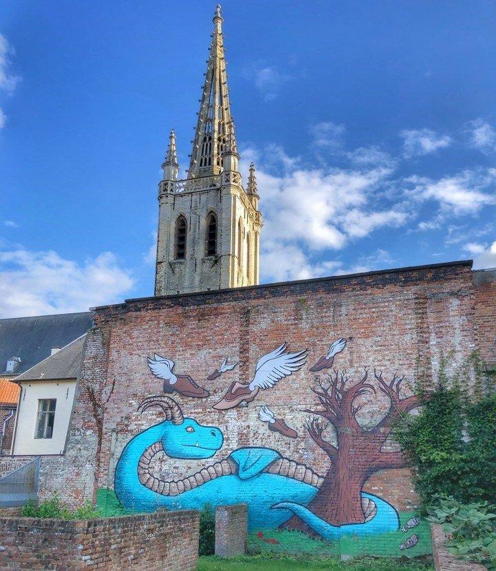 Leuven street art the Blue Dragon